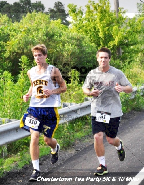 Chestertown Tea Party 10 Mile Run<br><br><br><br><a href='http://www.trisportsevents.com/pics/12_Chestertown_5K-10_Miler_137.JPG' download='12_Chestertown_5K-10_Miler_137.JPG'>Click here to download.</a><Br><a href='http://www.facebook.com/sharer.php?u=http:%2F%2Fwww.trisportsevents.com%2Fpics%2F12_Chestertown_5K-10_Miler_137.JPG&t=Chestertown Tea Party 10 Mile Run' target='_blank'><img src='images/fb_share.png' width='100'></a>