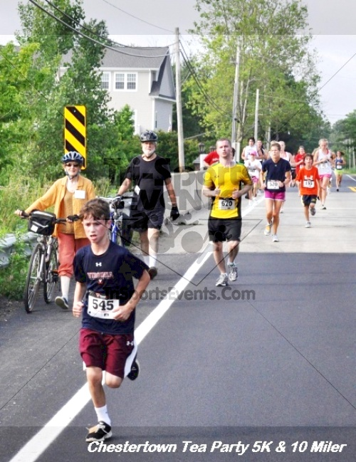 Chestertown Tea Party 10 Mile Run<br><br><br><br><a href='http://www.trisportsevents.com/pics/12_Chestertown_5K-10_Miler_142.JPG' download='12_Chestertown_5K-10_Miler_142.JPG'>Click here to download.</a><Br><a href='http://www.facebook.com/sharer.php?u=http:%2F%2Fwww.trisportsevents.com%2Fpics%2F12_Chestertown_5K-10_Miler_142.JPG&t=Chestertown Tea Party 10 Mile Run' target='_blank'><img src='images/fb_share.png' width='100'></a>