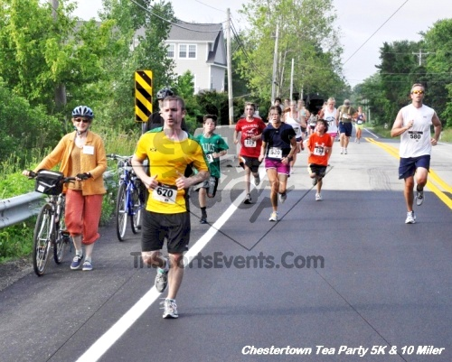 Chestertown Tea Party 10 Mile Run<br><br><br><br><a href='https://www.trisportsevents.com/pics/12_Chestertown_5K-10_Miler_143.JPG' download='12_Chestertown_5K-10_Miler_143.JPG'>Click here to download.</a><Br><a href='http://www.facebook.com/sharer.php?u=http:%2F%2Fwww.trisportsevents.com%2Fpics%2F12_Chestertown_5K-10_Miler_143.JPG&t=Chestertown Tea Party 10 Mile Run' target='_blank'><img src='images/fb_share.png' width='100'></a>