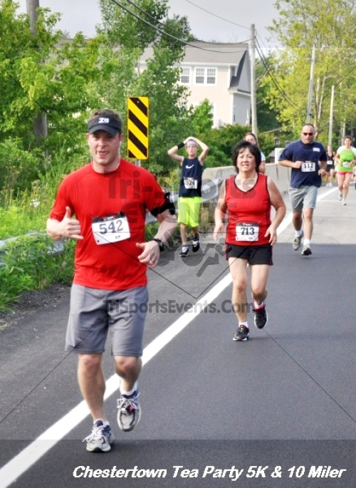 Chestertown Tea Party 10 Mile Run<br><br><br><br><a href='http://www.trisportsevents.com/pics/12_Chestertown_5K-10_Miler_153.JPG' download='12_Chestertown_5K-10_Miler_153.JPG'>Click here to download.</a><Br><a href='http://www.facebook.com/sharer.php?u=http:%2F%2Fwww.trisportsevents.com%2Fpics%2F12_Chestertown_5K-10_Miler_153.JPG&t=Chestertown Tea Party 10 Mile Run' target='_blank'><img src='images/fb_share.png' width='100'></a>