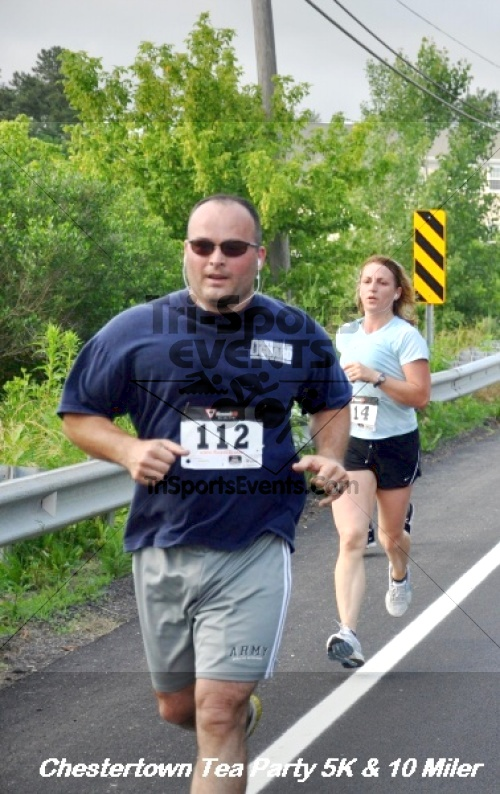Chestertown Tea Party 10 Mile Run<br><br><br><br><a href='http://www.trisportsevents.com/pics/12_Chestertown_5K-10_Miler_154.JPG' download='12_Chestertown_5K-10_Miler_154.JPG'>Click here to download.</a><Br><a href='http://www.facebook.com/sharer.php?u=http:%2F%2Fwww.trisportsevents.com%2Fpics%2F12_Chestertown_5K-10_Miler_154.JPG&t=Chestertown Tea Party 10 Mile Run' target='_blank'><img src='images/fb_share.png' width='100'></a>