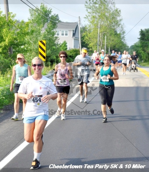 Chestertown Tea Party 10 Mile Run<br><br><br><br><a href='https://www.trisportsevents.com/pics/12_Chestertown_5K-10_Miler_163.JPG' download='12_Chestertown_5K-10_Miler_163.JPG'>Click here to download.</a><Br><a href='http://www.facebook.com/sharer.php?u=http:%2F%2Fwww.trisportsevents.com%2Fpics%2F12_Chestertown_5K-10_Miler_163.JPG&t=Chestertown Tea Party 10 Mile Run' target='_blank'><img src='images/fb_share.png' width='100'></a>