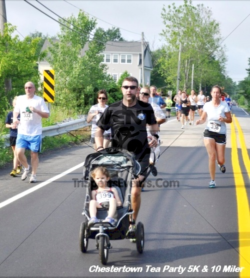 Chestertown Tea Party 10 Mile Run<br><br><br><br><a href='https://www.trisportsevents.com/pics/12_Chestertown_5K-10_Miler_164.JPG' download='12_Chestertown_5K-10_Miler_164.JPG'>Click here to download.</a><Br><a href='http://www.facebook.com/sharer.php?u=http:%2F%2Fwww.trisportsevents.com%2Fpics%2F12_Chestertown_5K-10_Miler_164.JPG&t=Chestertown Tea Party 10 Mile Run' target='_blank'><img src='images/fb_share.png' width='100'></a>
