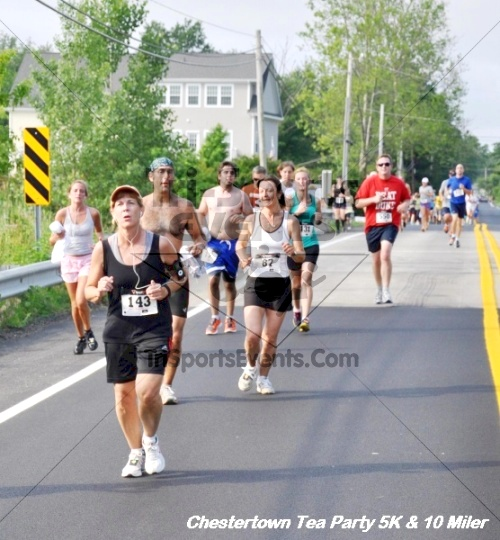 Chestertown Tea Party 10 Mile Run<br><br><br><br><a href='http://www.trisportsevents.com/pics/12_Chestertown_5K-10_Miler_166.JPG' download='12_Chestertown_5K-10_Miler_166.JPG'>Click here to download.</a><Br><a href='http://www.facebook.com/sharer.php?u=http:%2F%2Fwww.trisportsevents.com%2Fpics%2F12_Chestertown_5K-10_Miler_166.JPG&t=Chestertown Tea Party 10 Mile Run' target='_blank'><img src='images/fb_share.png' width='100'></a>