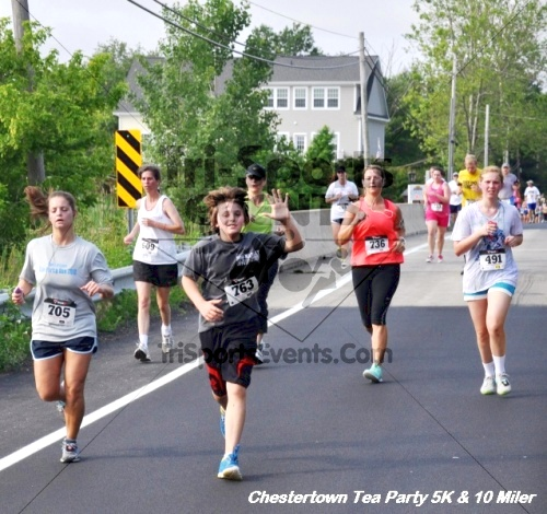 Chestertown Tea Party 10 Mile Run<br><br><br><br><a href='https://www.trisportsevents.com/pics/12_Chestertown_5K-10_Miler_173.JPG' download='12_Chestertown_5K-10_Miler_173.JPG'>Click here to download.</a><Br><a href='http://www.facebook.com/sharer.php?u=http:%2F%2Fwww.trisportsevents.com%2Fpics%2F12_Chestertown_5K-10_Miler_173.JPG&t=Chestertown Tea Party 10 Mile Run' target='_blank'><img src='images/fb_share.png' width='100'></a>