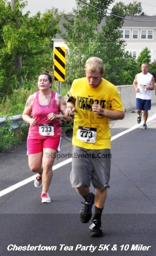 Chestertown Tea Party 10 Mile Run<br><br><br><br><a href='http://www.trisportsevents.com/pics/12_Chestertown_5K-10_Miler_174.JPG' download='12_Chestertown_5K-10_Miler_174.JPG'>Click here to download.</a><Br><a href='http://www.facebook.com/sharer.php?u=http:%2F%2Fwww.trisportsevents.com%2Fpics%2F12_Chestertown_5K-10_Miler_174.JPG&t=Chestertown Tea Party 10 Mile Run' target='_blank'><img src='images/fb_share.png' width='100'></a>