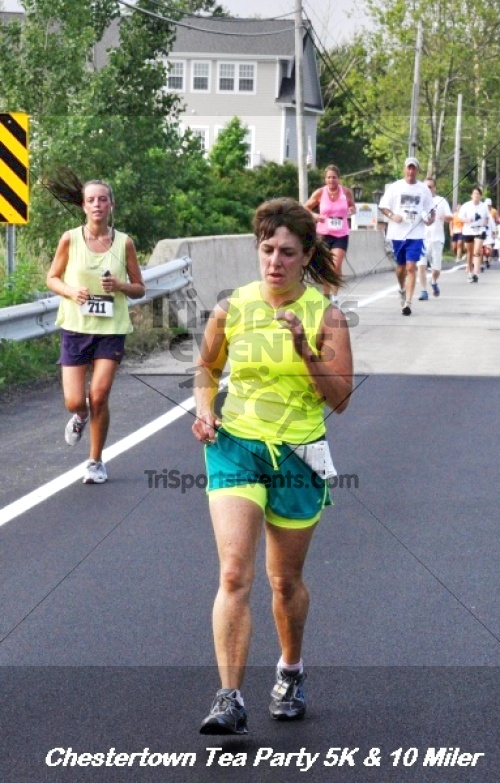 Chestertown Tea Party 10 Mile Run<br><br><br><br><a href='http://www.trisportsevents.com/pics/12_Chestertown_5K-10_Miler_176.JPG' download='12_Chestertown_5K-10_Miler_176.JPG'>Click here to download.</a><Br><a href='http://www.facebook.com/sharer.php?u=http:%2F%2Fwww.trisportsevents.com%2Fpics%2F12_Chestertown_5K-10_Miler_176.JPG&t=Chestertown Tea Party 10 Mile Run' target='_blank'><img src='images/fb_share.png' width='100'></a>