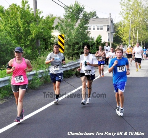 Chestertown Tea Party 10 Mile Run<br><br><br><br><a href='http://www.trisportsevents.com/pics/12_Chestertown_5K-10_Miler_177.JPG' download='12_Chestertown_5K-10_Miler_177.JPG'>Click here to download.</a><Br><a href='http://www.facebook.com/sharer.php?u=http:%2F%2Fwww.trisportsevents.com%2Fpics%2F12_Chestertown_5K-10_Miler_177.JPG&t=Chestertown Tea Party 10 Mile Run' target='_blank'><img src='images/fb_share.png' width='100'></a>