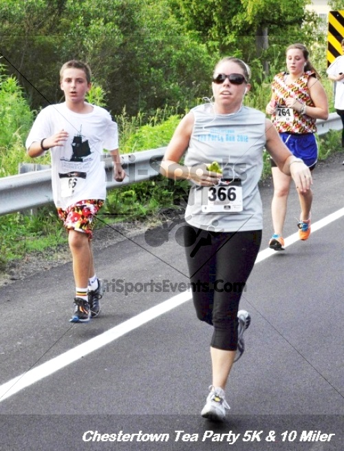 Chestertown Tea Party 10 Mile Run<br><br><br><br><a href='http://www.trisportsevents.com/pics/12_Chestertown_5K-10_Miler_178.JPG' download='12_Chestertown_5K-10_Miler_178.JPG'>Click here to download.</a><Br><a href='http://www.facebook.com/sharer.php?u=http:%2F%2Fwww.trisportsevents.com%2Fpics%2F12_Chestertown_5K-10_Miler_178.JPG&t=Chestertown Tea Party 10 Mile Run' target='_blank'><img src='images/fb_share.png' width='100'></a>