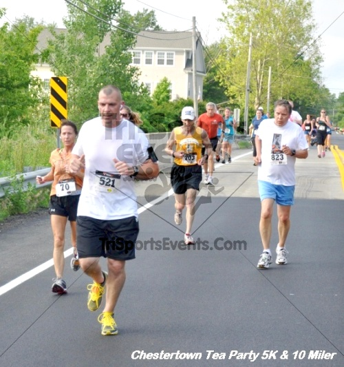 Chestertown Tea Party 10 Mile Run<br><br><br><br><a href='http://www.trisportsevents.com/pics/12_Chestertown_5K-10_Miler_179.JPG' download='12_Chestertown_5K-10_Miler_179.JPG'>Click here to download.</a><Br><a href='http://www.facebook.com/sharer.php?u=http:%2F%2Fwww.trisportsevents.com%2Fpics%2F12_Chestertown_5K-10_Miler_179.JPG&t=Chestertown Tea Party 10 Mile Run' target='_blank'><img src='images/fb_share.png' width='100'></a>