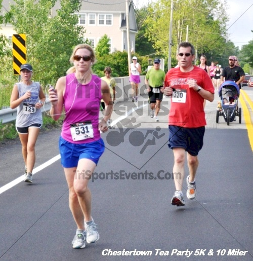 Chestertown Tea Party 10 Mile Run<br><br><br><br><a href='http://www.trisportsevents.com/pics/12_Chestertown_5K-10_Miler_182.JPG' download='12_Chestertown_5K-10_Miler_182.JPG'>Click here to download.</a><Br><a href='http://www.facebook.com/sharer.php?u=http:%2F%2Fwww.trisportsevents.com%2Fpics%2F12_Chestertown_5K-10_Miler_182.JPG&t=Chestertown Tea Party 10 Mile Run' target='_blank'><img src='images/fb_share.png' width='100'></a>