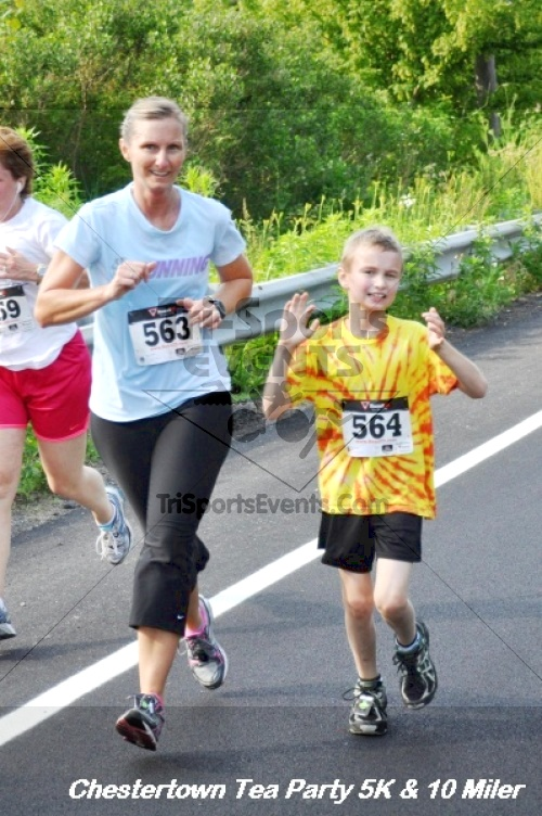 Chestertown Tea Party 10 Mile Run<br><br><br><br><a href='http://www.trisportsevents.com/pics/12_Chestertown_5K-10_Miler_186.JPG' download='12_Chestertown_5K-10_Miler_186.JPG'>Click here to download.</a><Br><a href='http://www.facebook.com/sharer.php?u=http:%2F%2Fwww.trisportsevents.com%2Fpics%2F12_Chestertown_5K-10_Miler_186.JPG&t=Chestertown Tea Party 10 Mile Run' target='_blank'><img src='images/fb_share.png' width='100'></a>