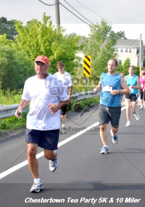 Chestertown Tea Party 10 Mile Run<br><br><br><br><a href='http://www.trisportsevents.com/pics/12_Chestertown_5K-10_Miler_199.JPG' download='12_Chestertown_5K-10_Miler_199.JPG'>Click here to download.</a><Br><a href='http://www.facebook.com/sharer.php?u=http:%2F%2Fwww.trisportsevents.com%2Fpics%2F12_Chestertown_5K-10_Miler_199.JPG&t=Chestertown Tea Party 10 Mile Run' target='_blank'><img src='images/fb_share.png' width='100'></a>