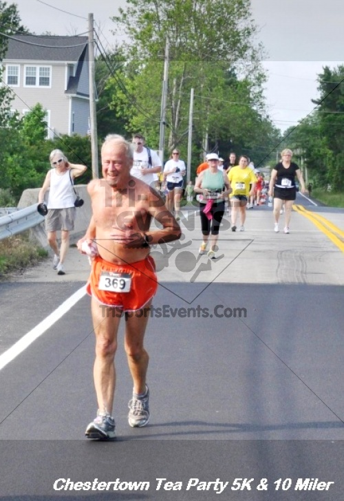 Chestertown Tea Party 10 Mile Run<br><br><br><br><a href='http://www.trisportsevents.com/pics/12_Chestertown_5K-10_Miler_206.JPG' download='12_Chestertown_5K-10_Miler_206.JPG'>Click here to download.</a><Br><a href='http://www.facebook.com/sharer.php?u=http:%2F%2Fwww.trisportsevents.com%2Fpics%2F12_Chestertown_5K-10_Miler_206.JPG&t=Chestertown Tea Party 10 Mile Run' target='_blank'><img src='images/fb_share.png' width='100'></a>