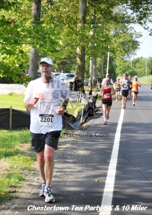Chestertown Tea Party 10 Mile Run<br><br><br><br><a href='http://www.trisportsevents.com/pics/12_Chestertown_5K-10_Miler_216.JPG' download='12_Chestertown_5K-10_Miler_216.JPG'>Click here to download.</a><Br><a href='http://www.facebook.com/sharer.php?u=http:%2F%2Fwww.trisportsevents.com%2Fpics%2F12_Chestertown_5K-10_Miler_216.JPG&t=Chestertown Tea Party 10 Mile Run' target='_blank'><img src='images/fb_share.png' width='100'></a>