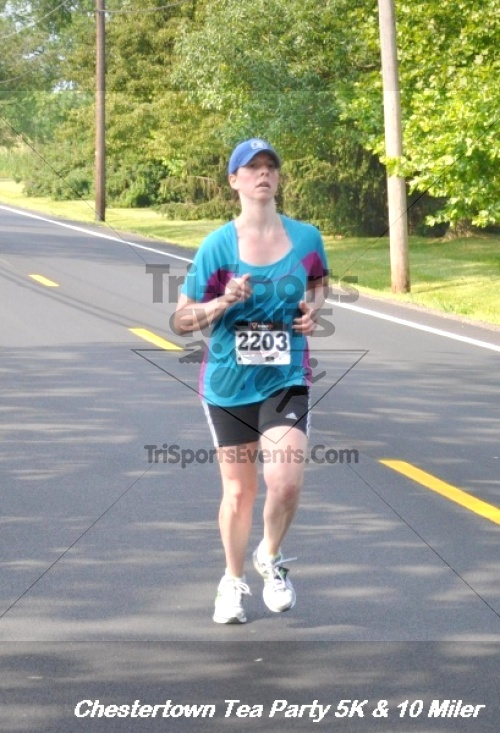 Chestertown Tea Party 10 Mile Run<br><br><br><br><a href='http://www.trisportsevents.com/pics/12_Chestertown_5K-10_Miler_226.JPG' download='12_Chestertown_5K-10_Miler_226.JPG'>Click here to download.</a><Br><a href='http://www.facebook.com/sharer.php?u=http:%2F%2Fwww.trisportsevents.com%2Fpics%2F12_Chestertown_5K-10_Miler_226.JPG&t=Chestertown Tea Party 10 Mile Run' target='_blank'><img src='images/fb_share.png' width='100'></a>