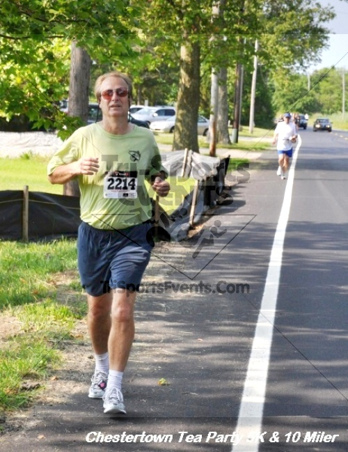 Chestertown Tea Party 10 Mile Run<br><br><br><br><a href='http://www.trisportsevents.com/pics/12_Chestertown_5K-10_Miler_232.JPG' download='12_Chestertown_5K-10_Miler_232.JPG'>Click here to download.</a><Br><a href='http://www.facebook.com/sharer.php?u=http:%2F%2Fwww.trisportsevents.com%2Fpics%2F12_Chestertown_5K-10_Miler_232.JPG&t=Chestertown Tea Party 10 Mile Run' target='_blank'><img src='images/fb_share.png' width='100'></a>