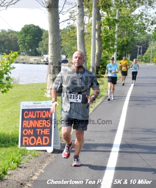 Chestertown Tea Party 10 Mile Run<br><br><br><br><a href='http://www.trisportsevents.com/pics/12_Chestertown_5K-10_Miler_236.JPG' download='12_Chestertown_5K-10_Miler_236.JPG'>Click here to download.</a><Br><a href='http://www.facebook.com/sharer.php?u=http:%2F%2Fwww.trisportsevents.com%2Fpics%2F12_Chestertown_5K-10_Miler_236.JPG&t=Chestertown Tea Party 10 Mile Run' target='_blank'><img src='images/fb_share.png' width='100'></a>