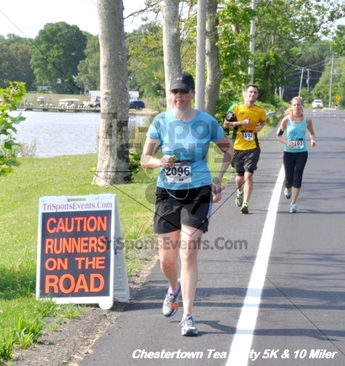 Chestertown Tea Party 10 Mile Run<br><br><br><br><a href='http://www.trisportsevents.com/pics/12_Chestertown_5K-10_Miler_237.JPG' download='12_Chestertown_5K-10_Miler_237.JPG'>Click here to download.</a><Br><a href='http://www.facebook.com/sharer.php?u=http:%2F%2Fwww.trisportsevents.com%2Fpics%2F12_Chestertown_5K-10_Miler_237.JPG&t=Chestertown Tea Party 10 Mile Run' target='_blank'><img src='images/fb_share.png' width='100'></a>