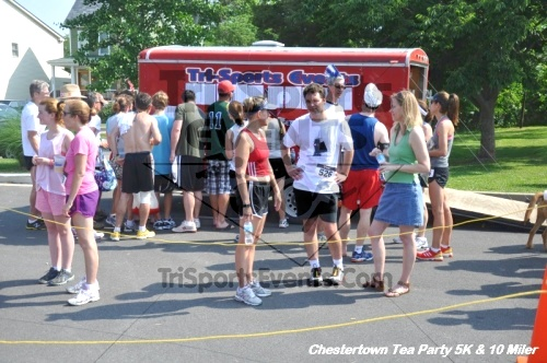 Chestertown Tea Party 10 Mile Run<br><br><br><br><a href='http://www.trisportsevents.com/pics/12_Chestertown_5K-10_Miler_239.JPG' download='12_Chestertown_5K-10_Miler_239.JPG'>Click here to download.</a><Br><a href='http://www.facebook.com/sharer.php?u=http:%2F%2Fwww.trisportsevents.com%2Fpics%2F12_Chestertown_5K-10_Miler_239.JPG&t=Chestertown Tea Party 10 Mile Run' target='_blank'><img src='images/fb_share.png' width='100'></a>