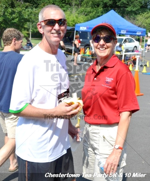 Chestertown Tea Party 10 Mile Run<br><br><br><br><a href='http://www.trisportsevents.com/pics/12_Chestertown_5K-10_Miler_245.JPG' download='12_Chestertown_5K-10_Miler_245.JPG'>Click here to download.</a><Br><a href='http://www.facebook.com/sharer.php?u=http:%2F%2Fwww.trisportsevents.com%2Fpics%2F12_Chestertown_5K-10_Miler_245.JPG&t=Chestertown Tea Party 10 Mile Run' target='_blank'><img src='images/fb_share.png' width='100'></a>