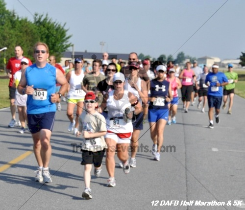 Dover Air Force Base Heritage Half Marathon & 5K<br><br><br><br><a href='http://www.trisportsevents.com/pics/12_DAFB_Half_&_5K_035.JPG' download='12_DAFB_Half_&_5K_035.JPG'>Click here to download.</a><Br><a href='http://www.facebook.com/sharer.php?u=http:%2F%2Fwww.trisportsevents.com%2Fpics%2F12_DAFB_Half_&_5K_035.JPG&t=Dover Air Force Base Heritage Half Marathon & 5K' target='_blank'><img src='images/fb_share.png' width='100'></a>