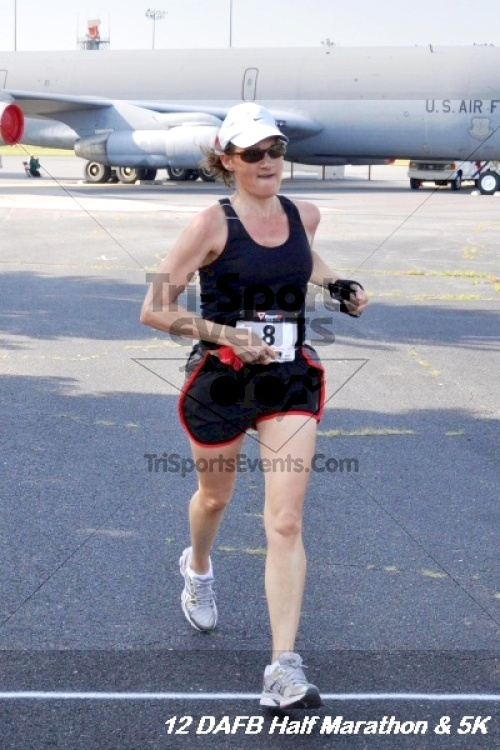 Dover Air Force Base Heritage Half Marathon & 5K<br><br><br><br><a href='http://www.trisportsevents.com/pics/12_DAFB_Half_&_5K_074.JPG' download='12_DAFB_Half_&_5K_074.JPG'>Click here to download.</a><Br><a href='http://www.facebook.com/sharer.php?u=http:%2F%2Fwww.trisportsevents.com%2Fpics%2F12_DAFB_Half_&_5K_074.JPG&t=Dover Air Force Base Heritage Half Marathon & 5K' target='_blank'><img src='images/fb_share.png' width='100'></a>