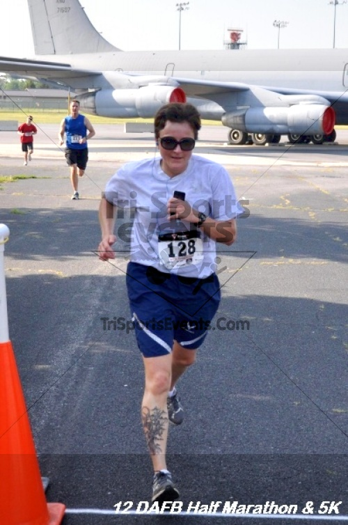 Dover Air Force Base Heritage Half Marathon & 5K<br><br><br><br><a href='http://www.trisportsevents.com/pics/12_DAFB_Half_&_5K_075.JPG' download='12_DAFB_Half_&_5K_075.JPG'>Click here to download.</a><Br><a href='http://www.facebook.com/sharer.php?u=http:%2F%2Fwww.trisportsevents.com%2Fpics%2F12_DAFB_Half_&_5K_075.JPG&t=Dover Air Force Base Heritage Half Marathon & 5K' target='_blank'><img src='images/fb_share.png' width='100'></a>