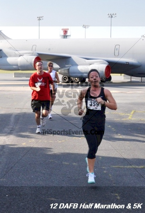 Dover Air Force Base Heritage Half Marathon & 5K<br><br><br><br><a href='https://www.trisportsevents.com/pics/12_DAFB_Half_&_5K_082.JPG' download='12_DAFB_Half_&_5K_082.JPG'>Click here to download.</a><Br><a href='http://www.facebook.com/sharer.php?u=http:%2F%2Fwww.trisportsevents.com%2Fpics%2F12_DAFB_Half_&_5K_082.JPG&t=Dover Air Force Base Heritage Half Marathon & 5K' target='_blank'><img src='images/fb_share.png' width='100'></a>