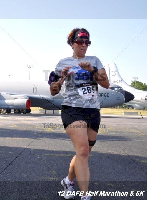 Dover Air Force Base Heritage Half Marathon & 5K<br><br><br><br><a href='http://www.trisportsevents.com/pics/12_DAFB_Half_&_5K_086.JPG' download='12_DAFB_Half_&_5K_086.JPG'>Click here to download.</a><Br><a href='http://www.facebook.com/sharer.php?u=http:%2F%2Fwww.trisportsevents.com%2Fpics%2F12_DAFB_Half_&_5K_086.JPG&t=Dover Air Force Base Heritage Half Marathon & 5K' target='_blank'><img src='images/fb_share.png' width='100'></a>