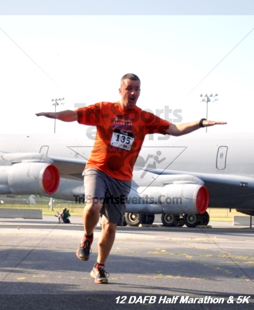 Dover Air Force Base Heritage Half Marathon & 5K<br><br><br><br><a href='https://www.trisportsevents.com/pics/12_DAFB_Half_&_5K_097.JPG' download='12_DAFB_Half_&_5K_097.JPG'>Click here to download.</a><Br><a href='http://www.facebook.com/sharer.php?u=http:%2F%2Fwww.trisportsevents.com%2Fpics%2F12_DAFB_Half_&_5K_097.JPG&t=Dover Air Force Base Heritage Half Marathon & 5K' target='_blank'><img src='images/fb_share.png' width='100'></a>