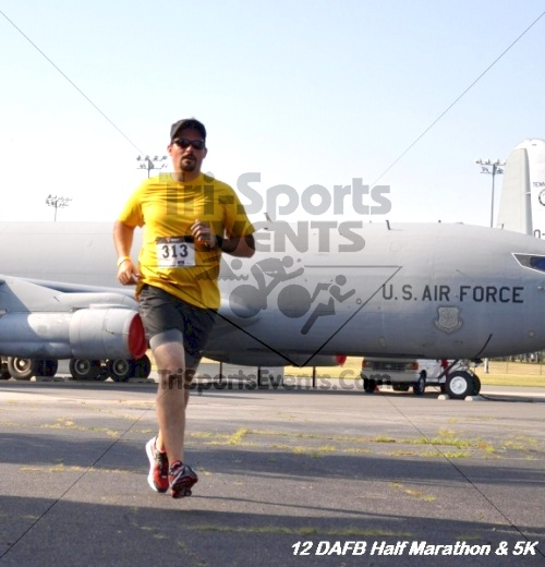 Dover Air Force Base Heritage Half Marathon & 5K<br><br><br><br><a href='http://www.trisportsevents.com/pics/12_DAFB_Half_&_5K_099.JPG' download='12_DAFB_Half_&_5K_099.JPG'>Click here to download.</a><Br><a href='http://www.facebook.com/sharer.php?u=http:%2F%2Fwww.trisportsevents.com%2Fpics%2F12_DAFB_Half_&_5K_099.JPG&t=Dover Air Force Base Heritage Half Marathon & 5K' target='_blank'><img src='images/fb_share.png' width='100'></a>