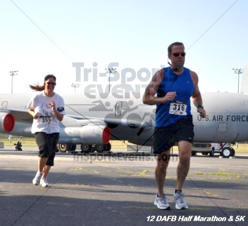 Dover Air Force Base Heritage Half Marathon & 5K<br><br><br><br><a href='http://www.trisportsevents.com/pics/12_DAFB_Half_&_5K_116.JPG' download='12_DAFB_Half_&_5K_116.JPG'>Click here to download.</a><Br><a href='http://www.facebook.com/sharer.php?u=http:%2F%2Fwww.trisportsevents.com%2Fpics%2F12_DAFB_Half_&_5K_116.JPG&t=Dover Air Force Base Heritage Half Marathon & 5K' target='_blank'><img src='images/fb_share.png' width='100'></a>