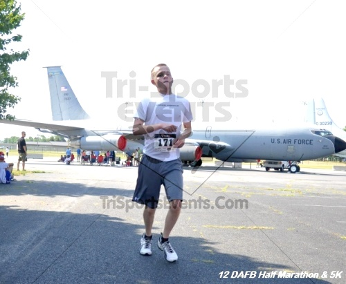 Dover Air Force Base Heritage Half Marathon & 5K<br><br><br><br><a href='https://www.trisportsevents.com/pics/12_DAFB_Half_&_5K_202.JPG' download='12_DAFB_Half_&_5K_202.JPG'>Click here to download.</a><Br><a href='http://www.facebook.com/sharer.php?u=http:%2F%2Fwww.trisportsevents.com%2Fpics%2F12_DAFB_Half_&_5K_202.JPG&t=Dover Air Force Base Heritage Half Marathon & 5K' target='_blank'><img src='images/fb_share.png' width='100'></a>