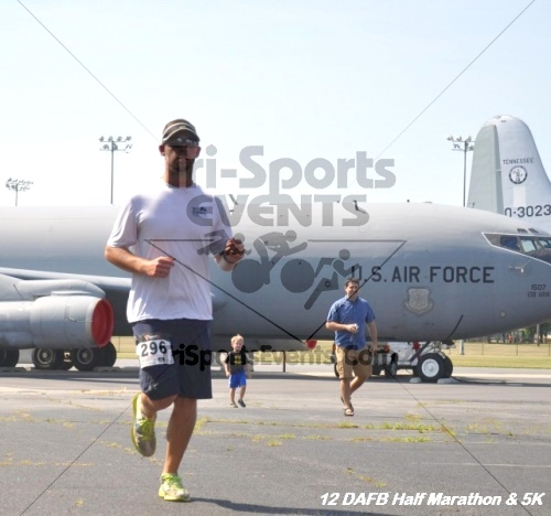 Dover Air Force Base Heritage Half Marathon & 5K<br><br><br><br><a href='https://www.trisportsevents.com/pics/12_DAFB_Half_&_5K_214.JPG' download='12_DAFB_Half_&_5K_214.JPG'>Click here to download.</a><Br><a href='http://www.facebook.com/sharer.php?u=http:%2F%2Fwww.trisportsevents.com%2Fpics%2F12_DAFB_Half_&_5K_214.JPG&t=Dover Air Force Base Heritage Half Marathon & 5K' target='_blank'><img src='images/fb_share.png' width='100'></a>