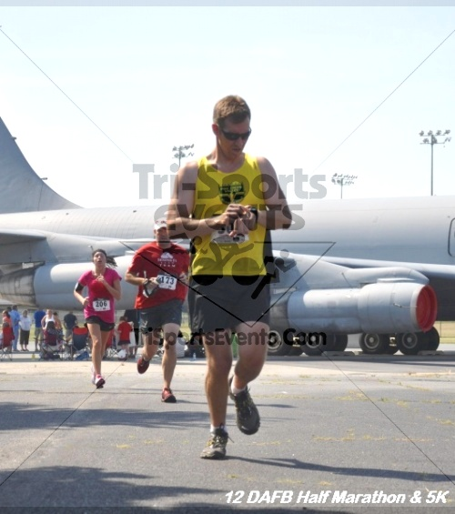 Dover Air Force Base Heritage Half Marathon & 5K<br><br><br><br><a href='https://www.trisportsevents.com/pics/12_DAFB_Half_&_5K_230.JPG' download='12_DAFB_Half_&_5K_230.JPG'>Click here to download.</a><Br><a href='http://www.facebook.com/sharer.php?u=http:%2F%2Fwww.trisportsevents.com%2Fpics%2F12_DAFB_Half_&_5K_230.JPG&t=Dover Air Force Base Heritage Half Marathon & 5K' target='_blank'><img src='images/fb_share.png' width='100'></a>