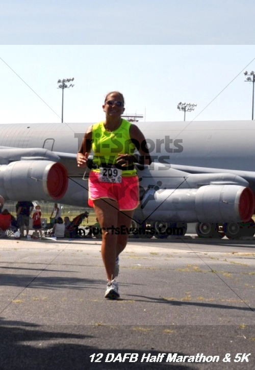 Dover Air Force Base Heritage Half Marathon & 5K<br><br><br><br><a href='http://www.trisportsevents.com/pics/12_DAFB_Half_&_5K_235.JPG' download='12_DAFB_Half_&_5K_235.JPG'>Click here to download.</a><Br><a href='http://www.facebook.com/sharer.php?u=http:%2F%2Fwww.trisportsevents.com%2Fpics%2F12_DAFB_Half_&_5K_235.JPG&t=Dover Air Force Base Heritage Half Marathon & 5K' target='_blank'><img src='images/fb_share.png' width='100'></a>