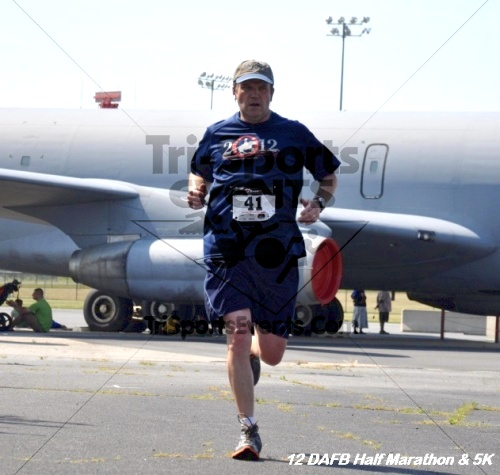 Dover Air Force Base Heritage Half Marathon & 5K<br><br><br><br><a href='https://www.trisportsevents.com/pics/12_DAFB_Half_&_5K_248.JPG' download='12_DAFB_Half_&_5K_248.JPG'>Click here to download.</a><Br><a href='http://www.facebook.com/sharer.php?u=http:%2F%2Fwww.trisportsevents.com%2Fpics%2F12_DAFB_Half_&_5K_248.JPG&t=Dover Air Force Base Heritage Half Marathon & 5K' target='_blank'><img src='images/fb_share.png' width='100'></a>