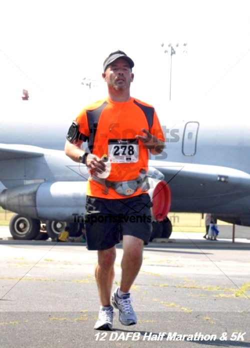 Dover Air Force Base Heritage Half Marathon & 5K<br><br><br><br><a href='http://www.trisportsevents.com/pics/12_DAFB_Half_&_5K_250.JPG' download='12_DAFB_Half_&_5K_250.JPG'>Click here to download.</a><Br><a href='http://www.facebook.com/sharer.php?u=http:%2F%2Fwww.trisportsevents.com%2Fpics%2F12_DAFB_Half_&_5K_250.JPG&t=Dover Air Force Base Heritage Half Marathon & 5K' target='_blank'><img src='images/fb_share.png' width='100'></a>