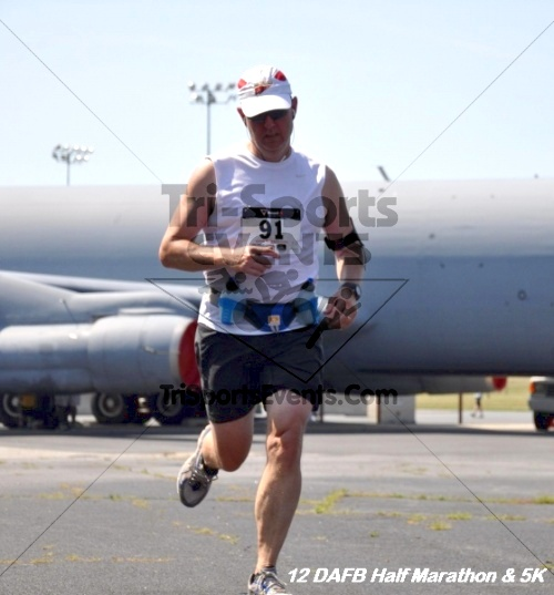 Dover Air Force Base Heritage Half Marathon & 5K<br><br><br><br><a href='https://www.trisportsevents.com/pics/12_DAFB_Half_&_5K_271.JPG' download='12_DAFB_Half_&_5K_271.JPG'>Click here to download.</a><Br><a href='http://www.facebook.com/sharer.php?u=http:%2F%2Fwww.trisportsevents.com%2Fpics%2F12_DAFB_Half_&_5K_271.JPG&t=Dover Air Force Base Heritage Half Marathon & 5K' target='_blank'><img src='images/fb_share.png' width='100'></a>
