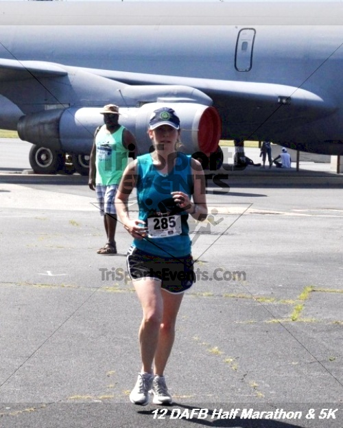 Dover Air Force Base Heritage Half Marathon & 5K<br><br><br><br><a href='http://www.trisportsevents.com/pics/12_DAFB_Half_&_5K_278.JPG' download='12_DAFB_Half_&_5K_278.JPG'>Click here to download.</a><Br><a href='http://www.facebook.com/sharer.php?u=http:%2F%2Fwww.trisportsevents.com%2Fpics%2F12_DAFB_Half_&_5K_278.JPG&t=Dover Air Force Base Heritage Half Marathon & 5K' target='_blank'><img src='images/fb_share.png' width='100'></a>