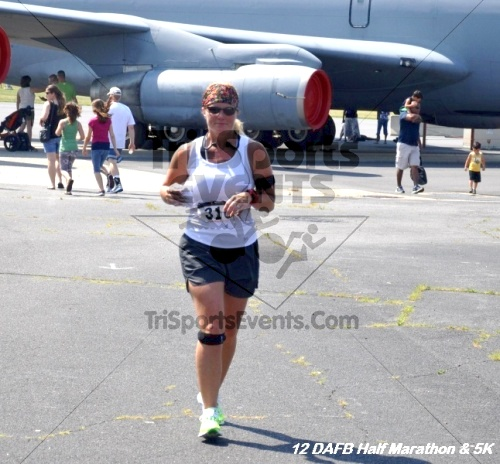 Dover Air Force Base Heritage Half Marathon & 5K<br><br><br><br><a href='http://www.trisportsevents.com/pics/12_DAFB_Half_&_5K_287.JPG' download='12_DAFB_Half_&_5K_287.JPG'>Click here to download.</a><Br><a href='http://www.facebook.com/sharer.php?u=http:%2F%2Fwww.trisportsevents.com%2Fpics%2F12_DAFB_Half_&_5K_287.JPG&t=Dover Air Force Base Heritage Half Marathon & 5K' target='_blank'><img src='images/fb_share.png' width='100'></a>