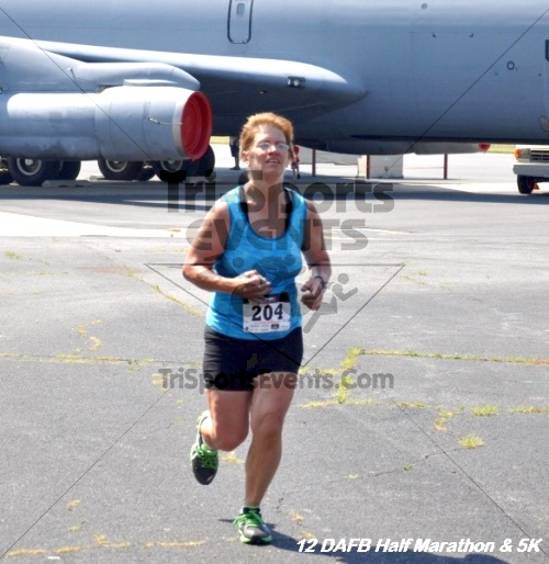 Dover Air Force Base Heritage Half Marathon & 5K<br><br><br><br><a href='https://www.trisportsevents.com/pics/12_DAFB_Half_&_5K_314.JPG' download='12_DAFB_Half_&_5K_314.JPG'>Click here to download.</a><Br><a href='http://www.facebook.com/sharer.php?u=http:%2F%2Fwww.trisportsevents.com%2Fpics%2F12_DAFB_Half_&_5K_314.JPG&t=Dover Air Force Base Heritage Half Marathon & 5K' target='_blank'><img src='images/fb_share.png' width='100'></a>
