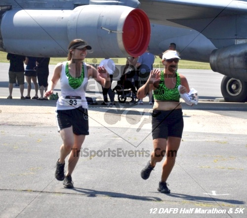 Dover Air Force Base Heritage Half Marathon & 5K<br><br><br><br><a href='http://www.trisportsevents.com/pics/12_DAFB_Half_&_5K_323.JPG' download='12_DAFB_Half_&_5K_323.JPG'>Click here to download.</a><Br><a href='http://www.facebook.com/sharer.php?u=http:%2F%2Fwww.trisportsevents.com%2Fpics%2F12_DAFB_Half_&_5K_323.JPG&t=Dover Air Force Base Heritage Half Marathon & 5K' target='_blank'><img src='images/fb_share.png' width='100'></a>