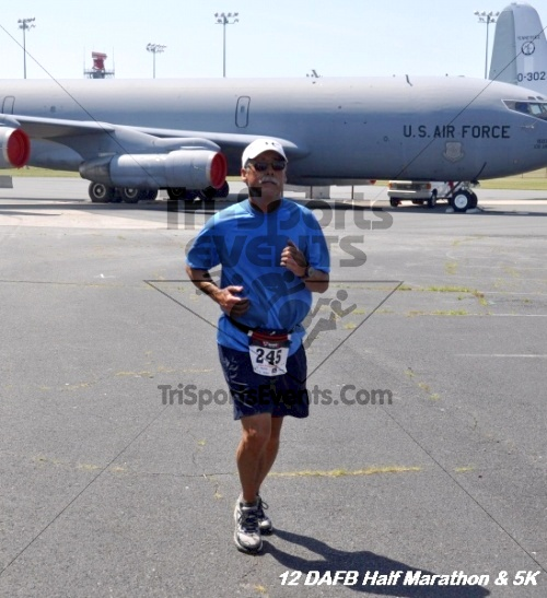 Dover Air Force Base Heritage Half Marathon & 5K<br><br><br><br><a href='http://www.trisportsevents.com/pics/12_DAFB_Half_&_5K_350.JPG' download='12_DAFB_Half_&_5K_350.JPG'>Click here to download.</a><Br><a href='http://www.facebook.com/sharer.php?u=http:%2F%2Fwww.trisportsevents.com%2Fpics%2F12_DAFB_Half_&_5K_350.JPG&t=Dover Air Force Base Heritage Half Marathon & 5K' target='_blank'><img src='images/fb_share.png' width='100'></a>