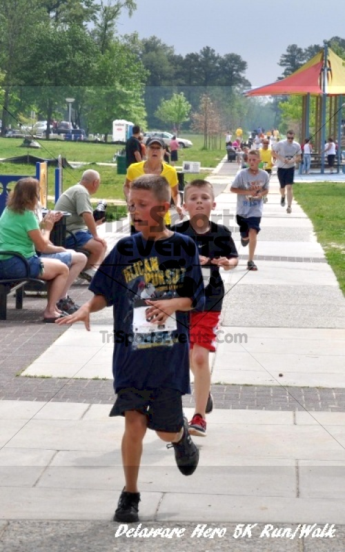 Delaware Hero 5K Run/Walk<br><br><br><br><a href='http://www.trisportsevents.com/pics/12_Delaware_Heros_5K_146.JPG' download='12_Delaware_Heros_5K_146.JPG'>Click here to download.</a><Br><a href='http://www.facebook.com/sharer.php?u=http:%2F%2Fwww.trisportsevents.com%2Fpics%2F12_Delaware_Heros_5K_146.JPG&t=Delaware Hero 5K Run/Walk' target='_blank'><img src='images/fb_share.png' width='100'></a>