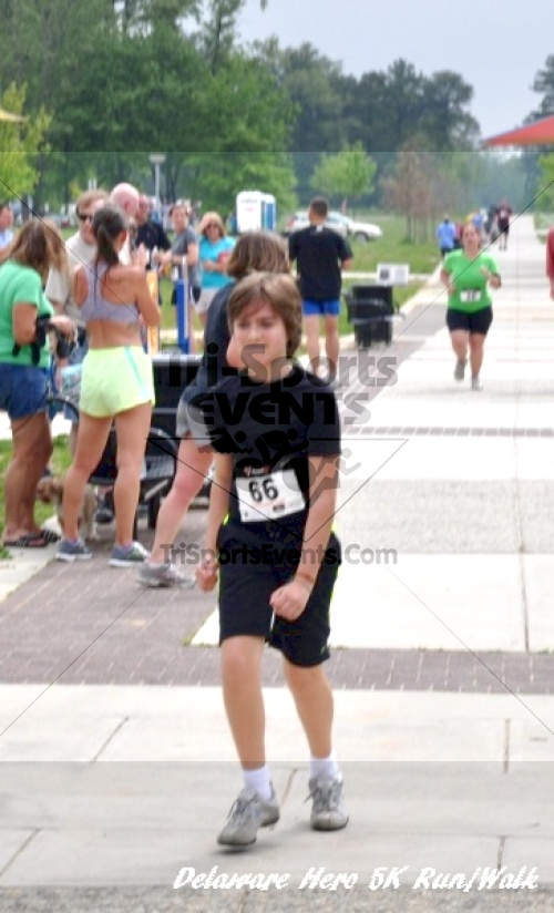 Delaware Hero 5K Run/Walk<br><br><br><br><a href='http://www.trisportsevents.com/pics/12_Delaware_Heros_5K_175.JPG' download='12_Delaware_Heros_5K_175.JPG'>Click here to download.</a><Br><a href='http://www.facebook.com/sharer.php?u=http:%2F%2Fwww.trisportsevents.com%2Fpics%2F12_Delaware_Heros_5K_175.JPG&t=Delaware Hero 5K Run/Walk' target='_blank'><img src='images/fb_share.png' width='100'></a>