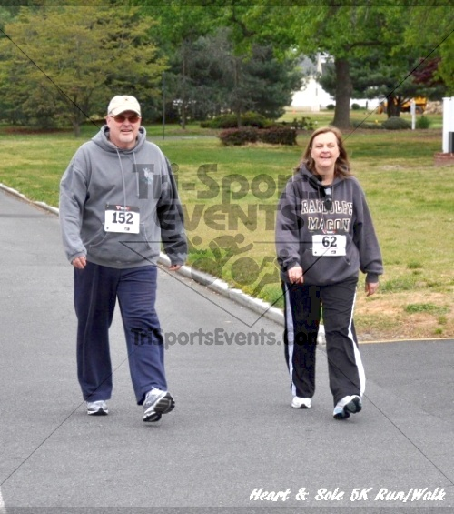 Heart & Sole 5K Run/Walk<br><br><br><br><a href='https://www.trisportsevents.com/pics/12_Heart_&_Sole_5K_077.JPG' download='12_Heart_&_Sole_5K_077.JPG'>Click here to download.</a><Br><a href='http://www.facebook.com/sharer.php?u=http:%2F%2Fwww.trisportsevents.com%2Fpics%2F12_Heart_&_Sole_5K_077.JPG&t=Heart & Sole 5K Run/Walk' target='_blank'><img src='images/fb_share.png' width='100'></a>