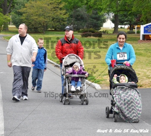Heart & Sole 5K Run/Walk<br><br><br><br><a href='http://www.trisportsevents.com/pics/12_Heart_&_Sole_5K_081.JPG' download='12_Heart_&_Sole_5K_081.JPG'>Click here to download.</a><Br><a href='http://www.facebook.com/sharer.php?u=http:%2F%2Fwww.trisportsevents.com%2Fpics%2F12_Heart_&_Sole_5K_081.JPG&t=Heart & Sole 5K Run/Walk' target='_blank'><img src='images/fb_share.png' width='100'></a>