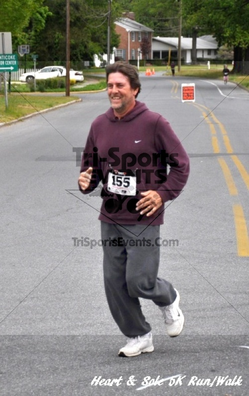 Heart & Sole 5K Run/Walk<br><br><br><br><a href='http://www.trisportsevents.com/pics/12_Heart_&_Sole_5K_090.JPG' download='12_Heart_&_Sole_5K_090.JPG'>Click here to download.</a><Br><a href='http://www.facebook.com/sharer.php?u=http:%2F%2Fwww.trisportsevents.com%2Fpics%2F12_Heart_&_Sole_5K_090.JPG&t=Heart & Sole 5K Run/Walk' target='_blank'><img src='images/fb_share.png' width='100'></a>